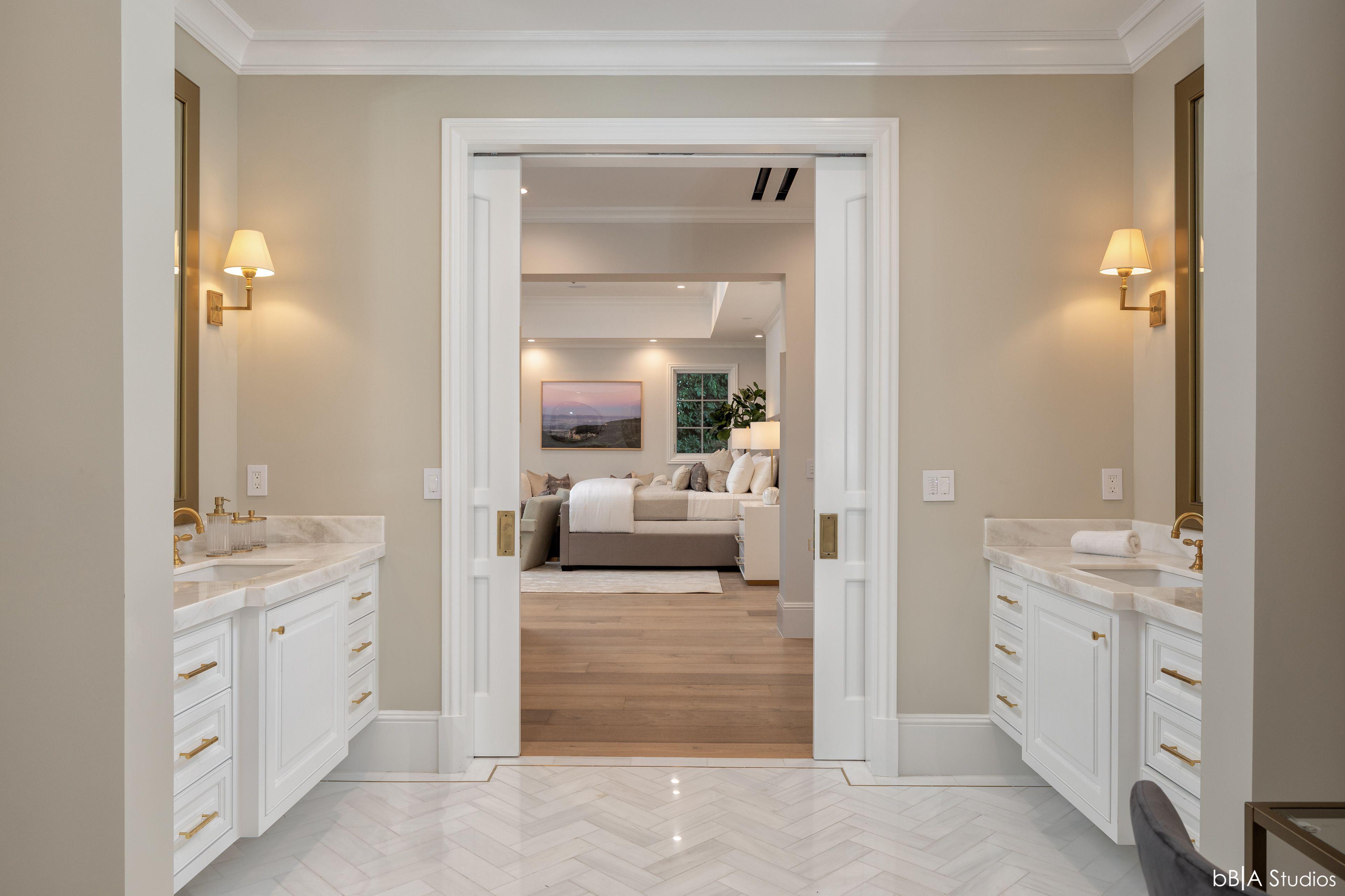 Walkway into Master Bathroom