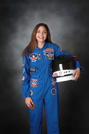 NASA готовит 17-летнюю девушку к полету на Марс