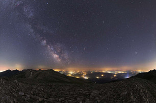 Summer Planets and Milky Way.