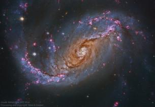 NGC 1672: спиральная галактика с перемычкой от Хаббла