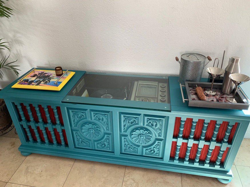 Console Stereo Buffet or Bar