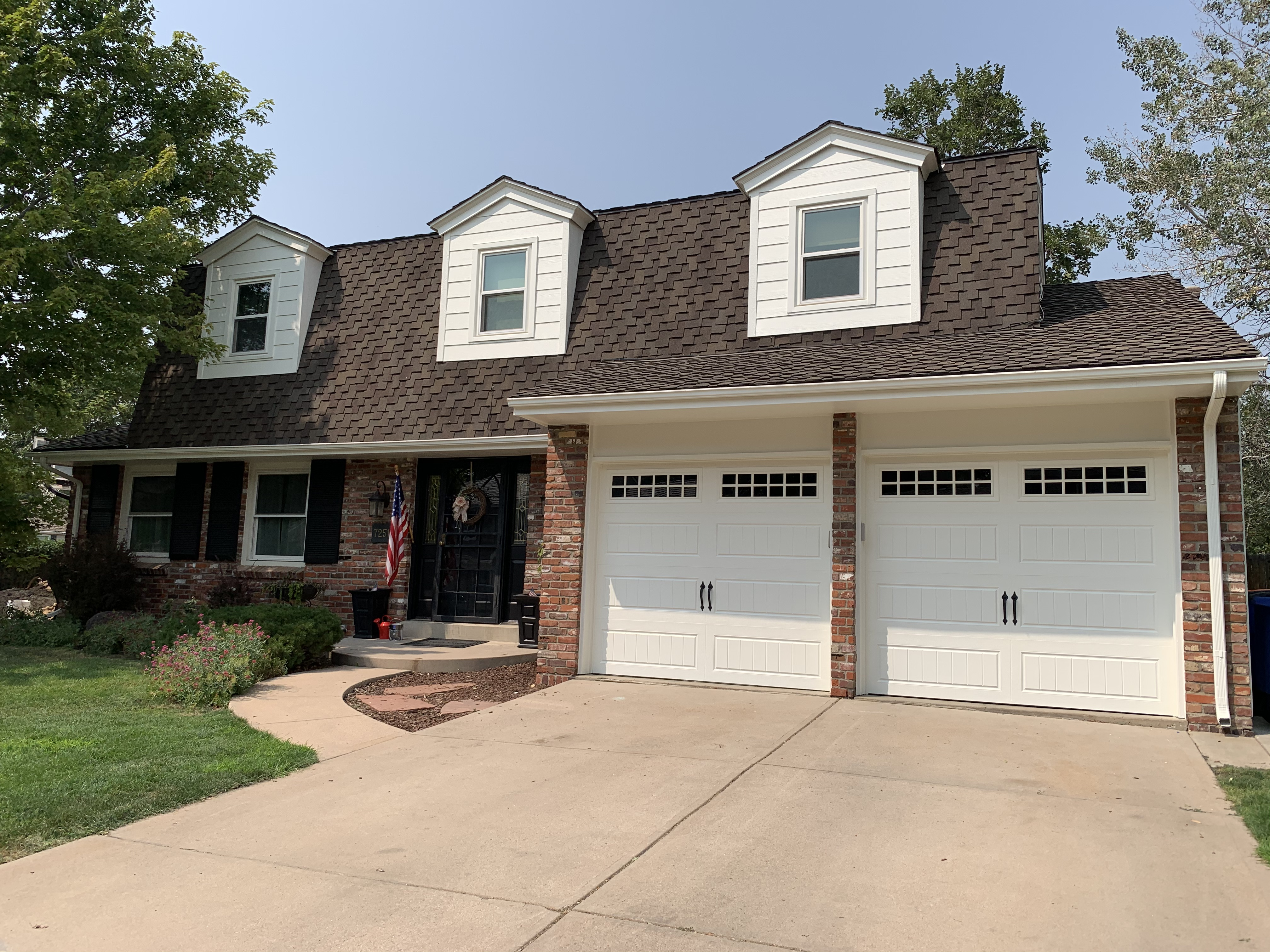 Exterior house painting in Centennial CO.- Charlies painting.