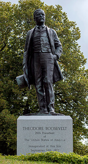 Roosevelt-Statue-3.jpg