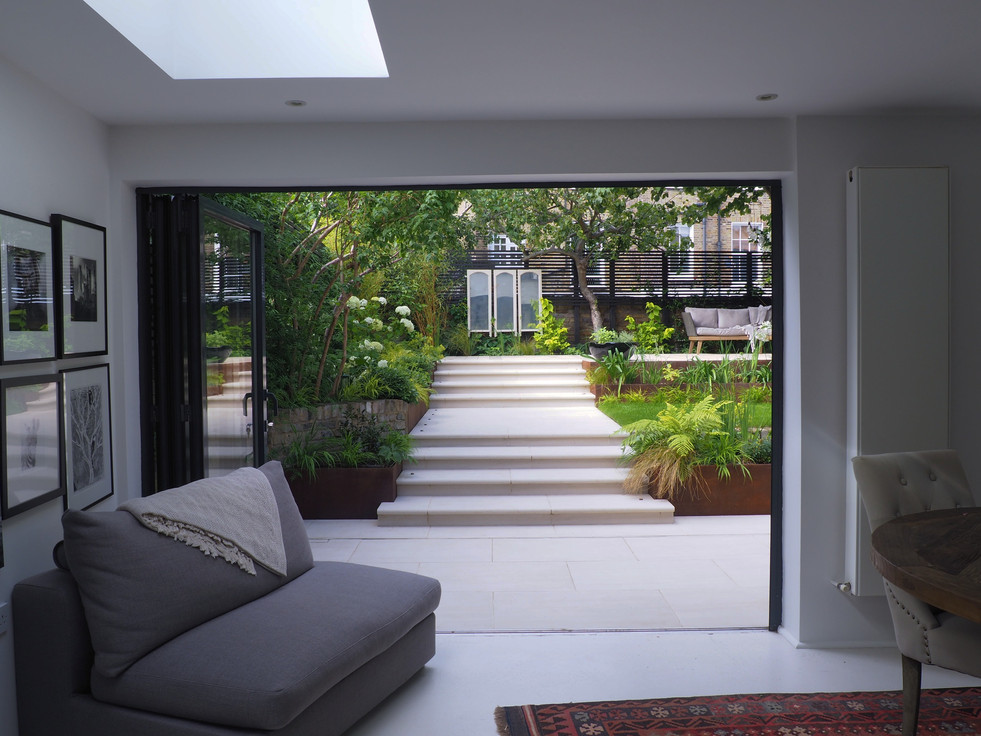 Taryn Ferris Garden Designs - Grand Staircase - De Beauvoir Town