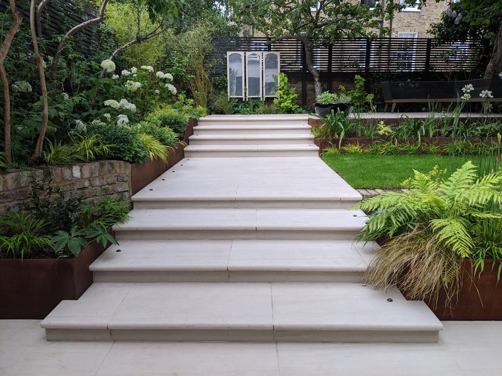 Taryn Ferris Garden Design - Porcelain Staircase - De Beauvoir Town