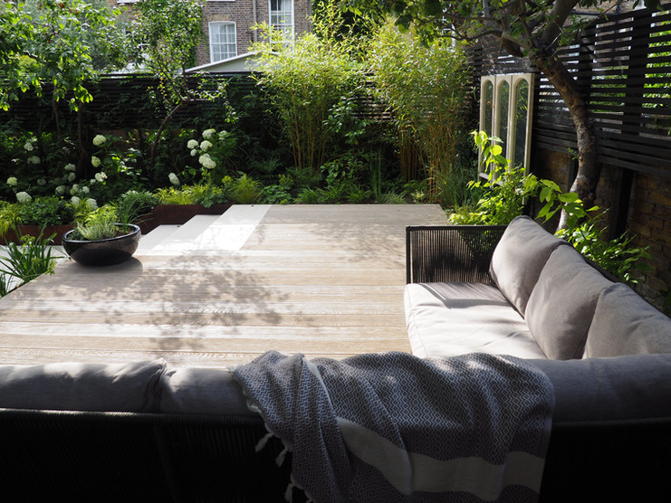 Taryn Ferris Garden Design - Outdoor Lounge Decking - De Beauvoir Town