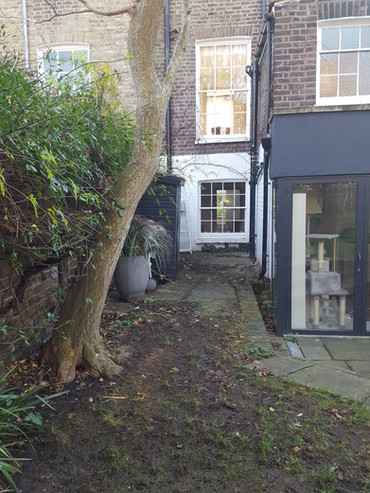 Taryn Ferris Garden Design - Before - De Beauvoir Town