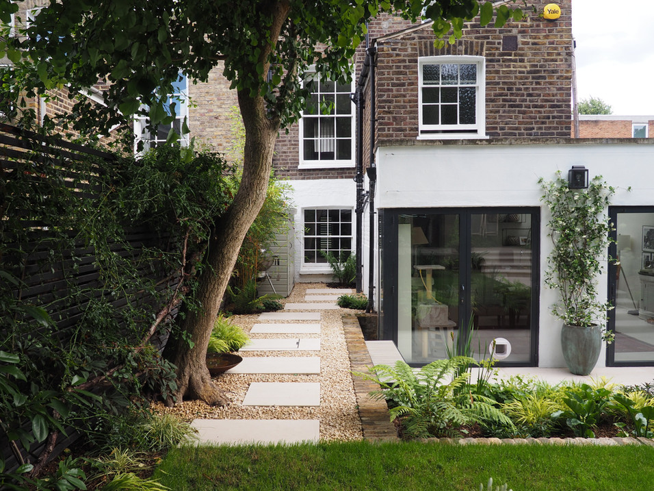 Taryn Ferris Garden Design - Elegant Side Return - De Beauvoir Town