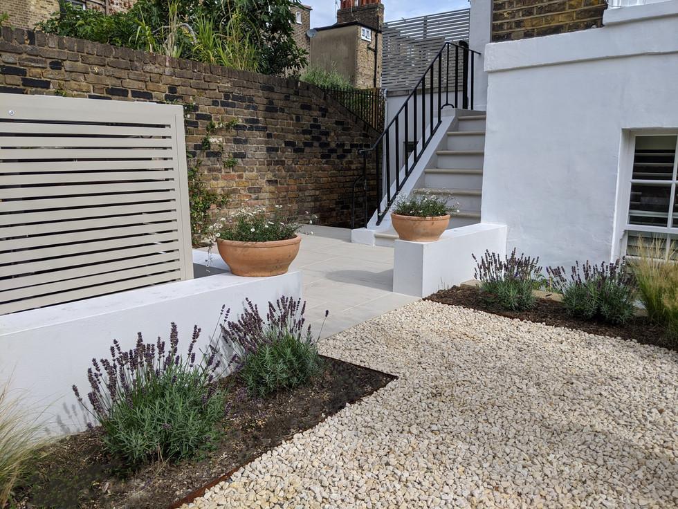 Taryn Ferris Garden Design - Bespoke-Made Bin Store, Gravel and Lavender - Islington Front Garden