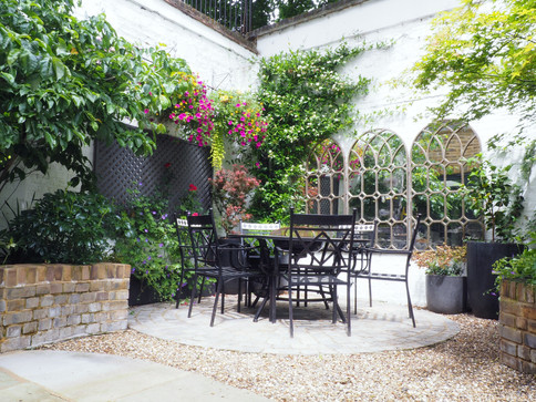 Taryn Ferris Garden Design - Planting Design - City Road Courtyard Garden