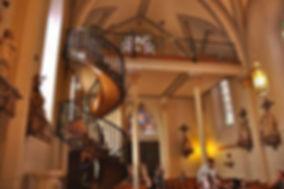 Loretto-Chapel-staircase-and-interior-10