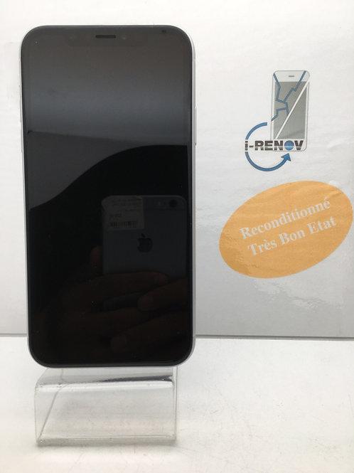 iPhone XR (975)