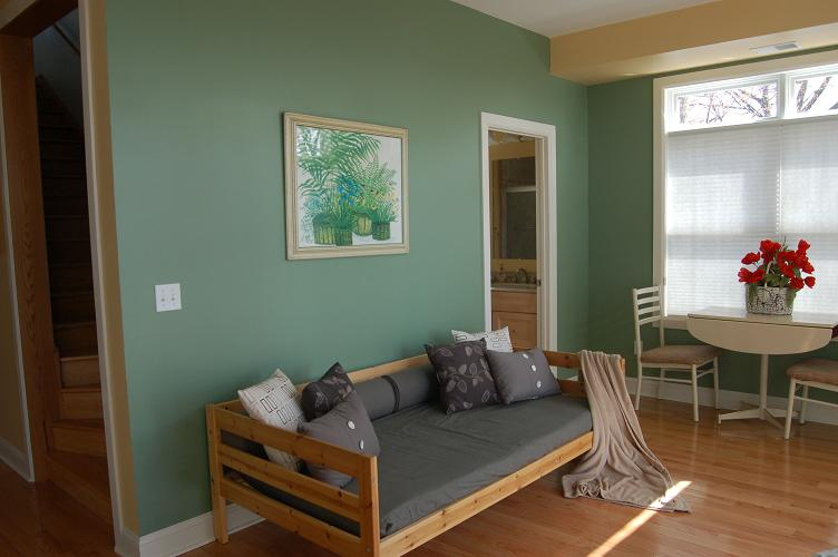 Day Bed in Family Room