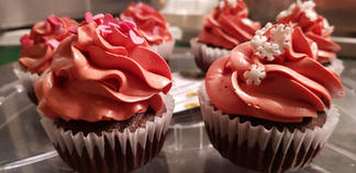 Raspberry and Chocolate Cupcakes