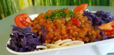 Spaguetti and lentil bolognese
