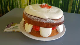 Victoria Sponge, fresh strawberries and cream cake