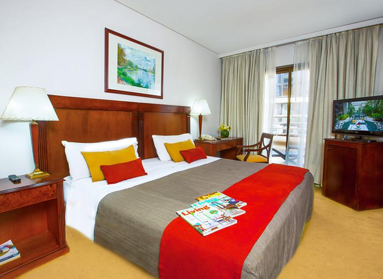reconquista_garden-hotel-01.jpg