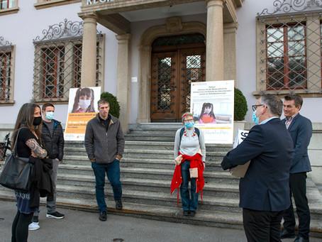 Kanton Schwyz: Masken-Petition mit grossem Erfolg abgeschlossen – 1'546 Unterschriften