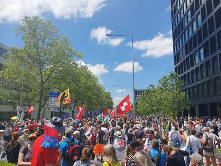 Kundgebung 13. Juni in Zug – so feiern die Sieger von Morgen