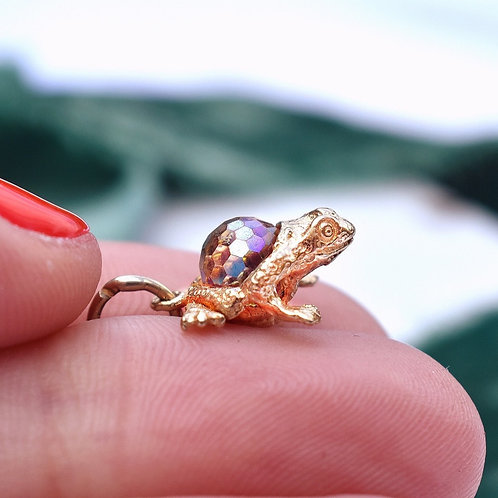 9ct Gold Vintage Magical Frog Charm