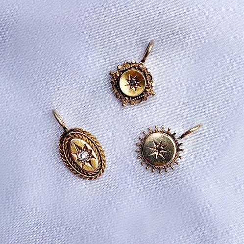 ' 3 Fallen Stars ' Antique Gold Star Charms