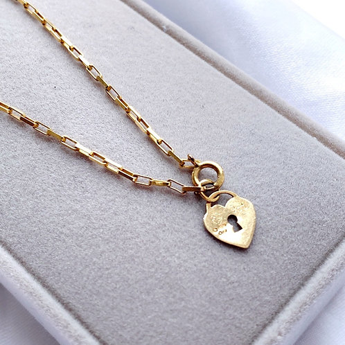 A Delicate Dainty 9ct Gold Slim Bracelet