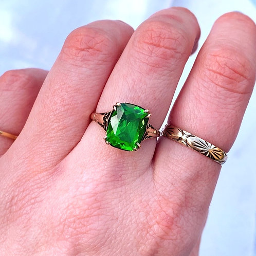 An Art Deco Green Paste 9ct Gold Ring