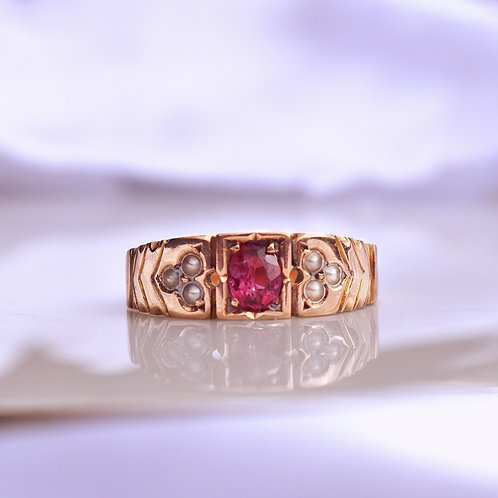 Antique Garnet 9ct Bezel Set Ring