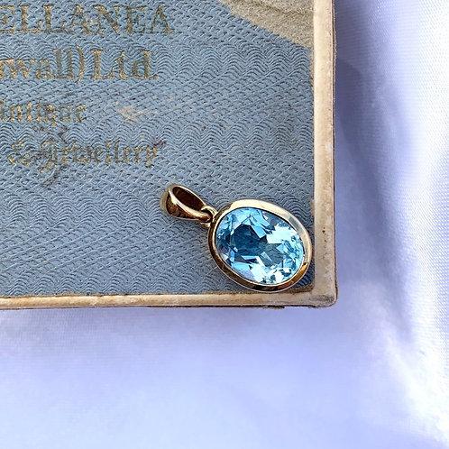 An Icy Chunky Crisp Blue Topaz Charm 9ct