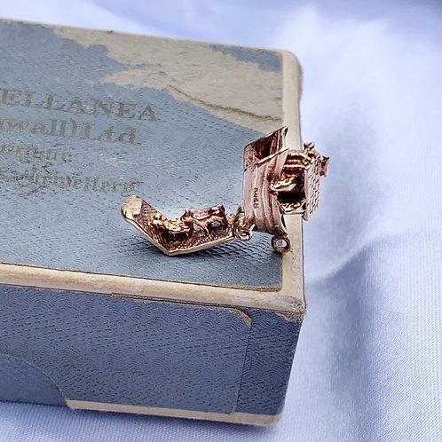 Sweet Vintage 9ct Gold Noah's Ark Charm