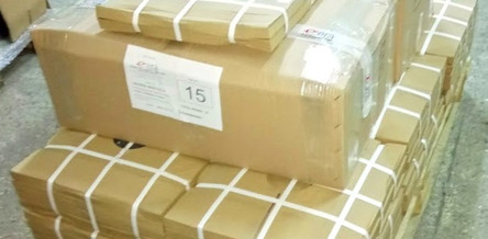 Packaging of Legs & Bases : Cleanly packed