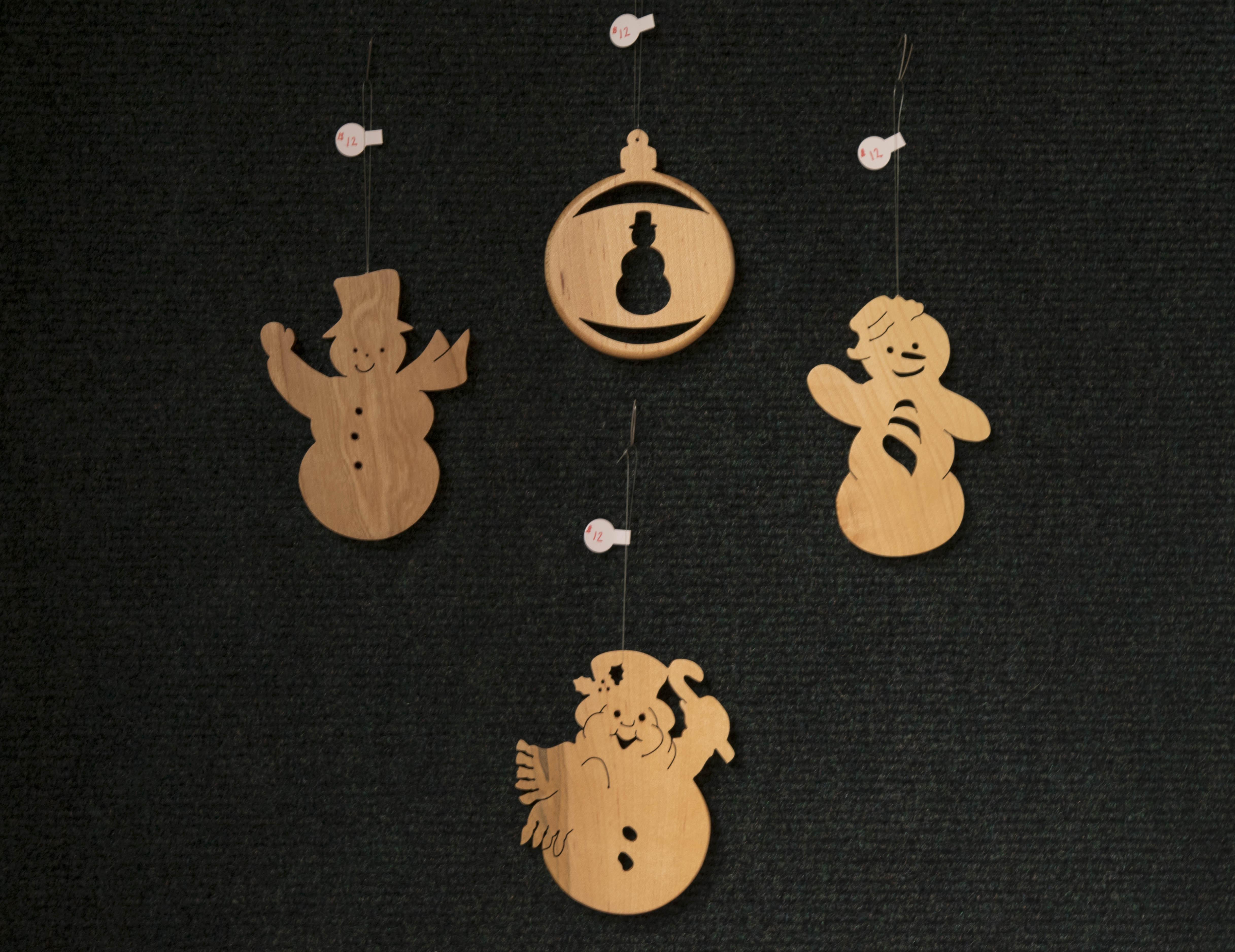 four_snowmen