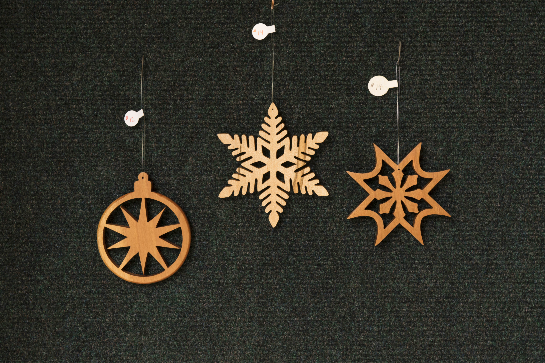 three_large_snowflakes2
