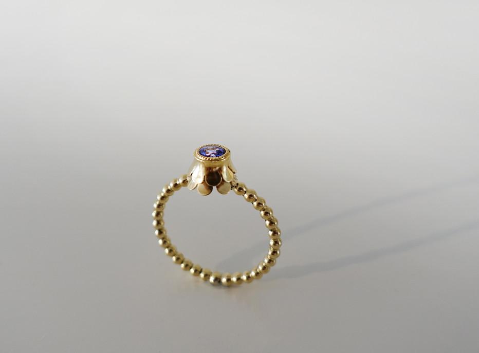 Ring in Gelbgold 750 mit einem Tansanit