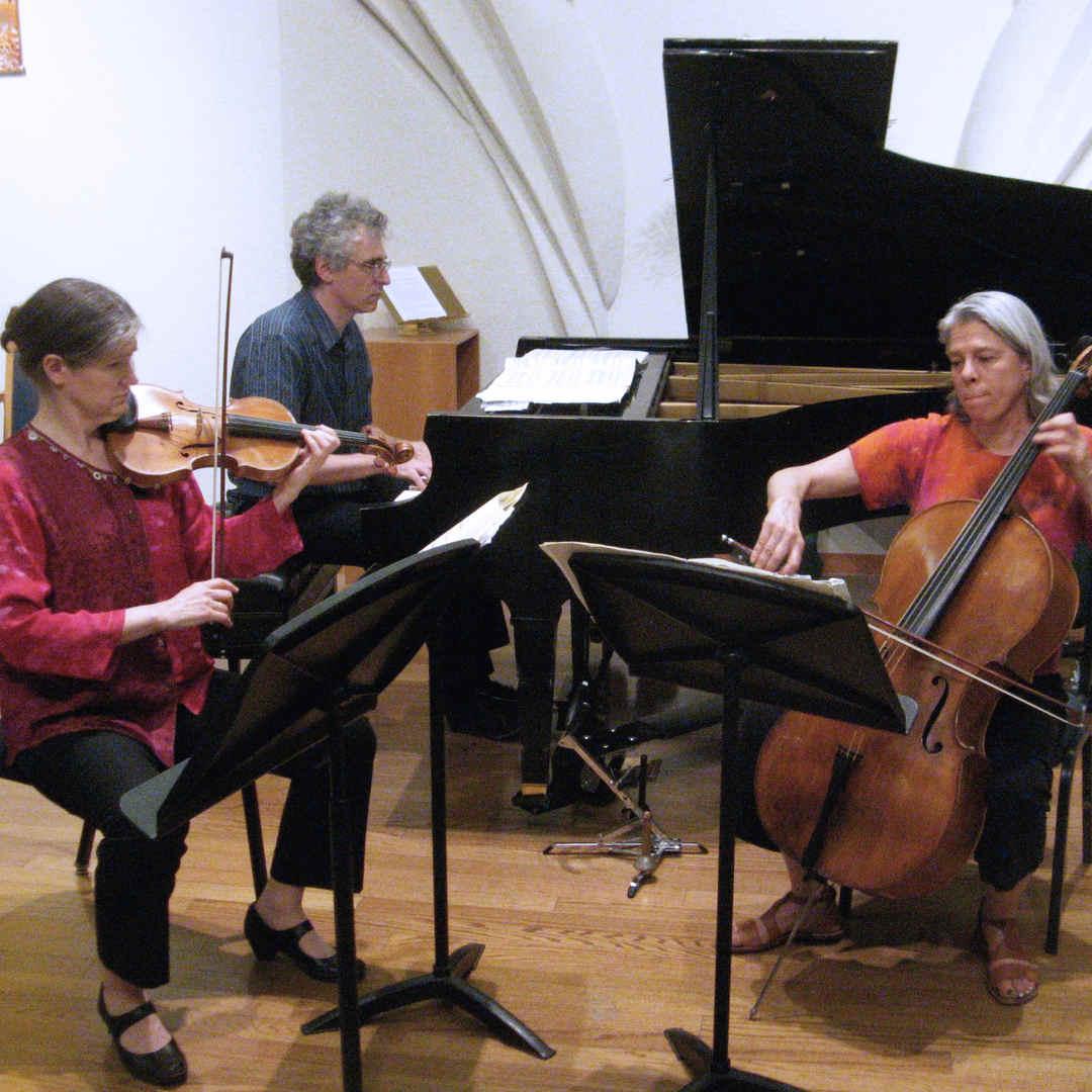 Piano Trio No. 2, Danse et Jeux