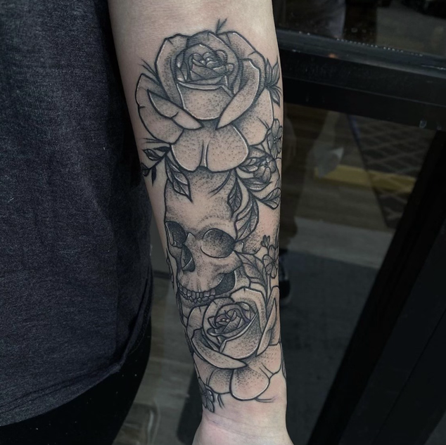 Skull and Roses Tattoo By Denzel At Fine
