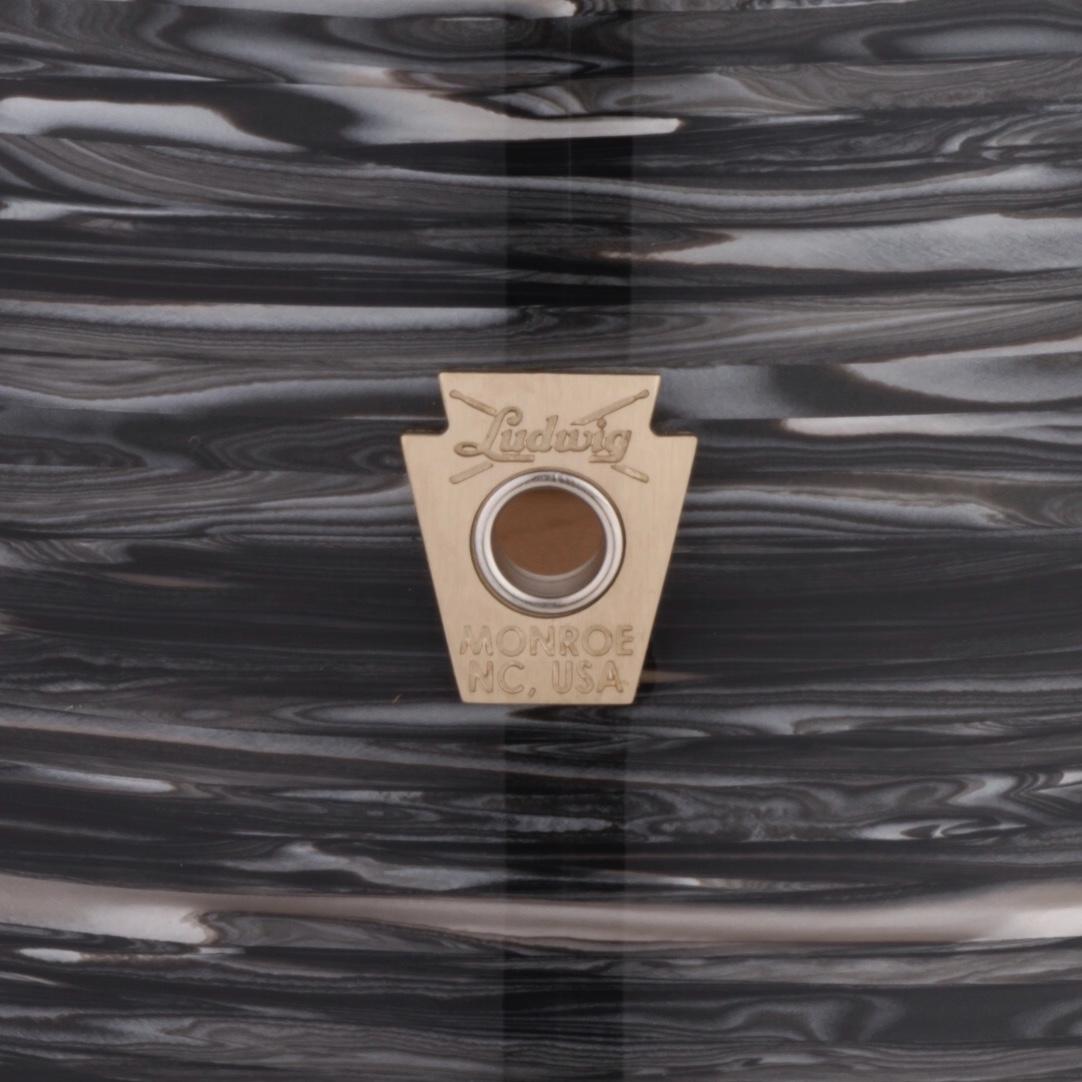 VINTAGE BLACK OYSTER