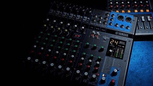 mixers yamaha.jpg