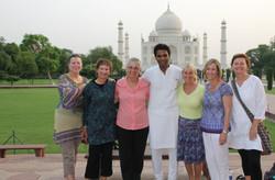 Mystical-Mamas-at-Taj-Mahal
