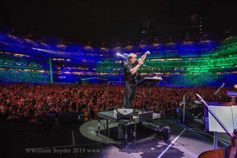 Keith conducting ©William Snyder