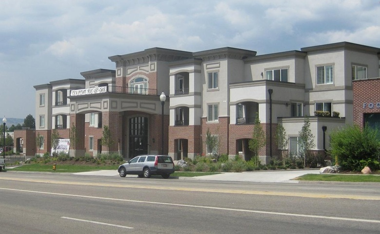 Country Club Ridge Condominium