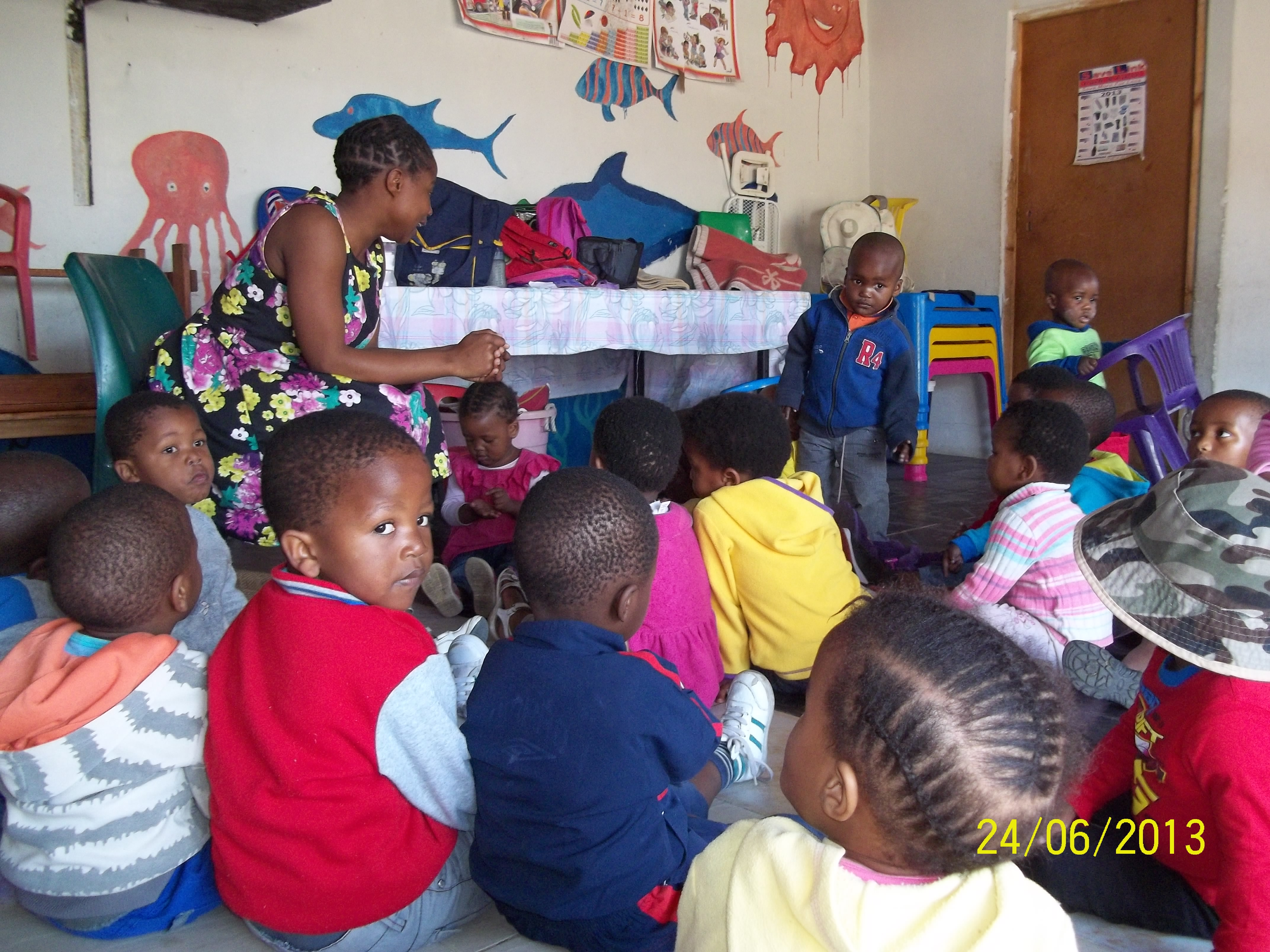 monday-busi-leading-22story-time22-at-the-crc3a8che1