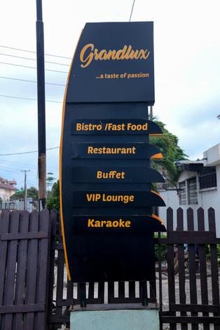 Grandlux Lounge