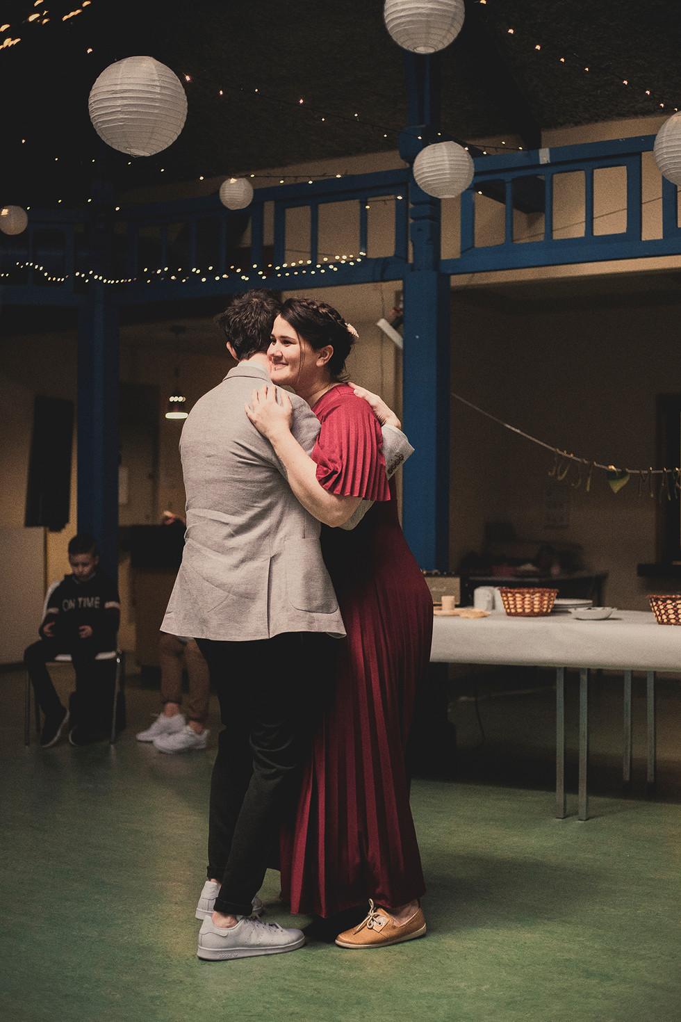Première danse des mariés, l'amour est palpable