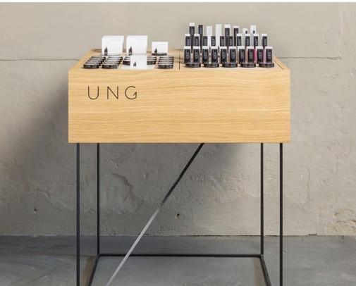 UNG Floordisplay