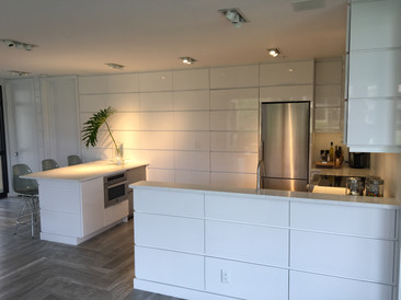 MODERN KITCHEN DESIGN...