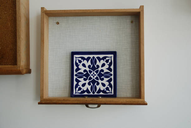 Keramikfliese bemalt