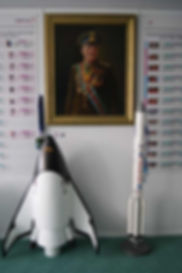 Портрет Ю.Гагарина первого человека полетевшего в космос. Макеты корабля проектируемого на предприятии РКК Энергия Клипер и корабля Протон