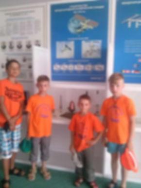 Дети на экскурсии в музее космонавтики пансионата Восток, расположенного на Черноморском побережье Краснодарского края