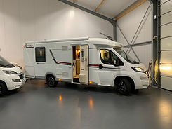 LMC camper met queensbed A7campers Friesland